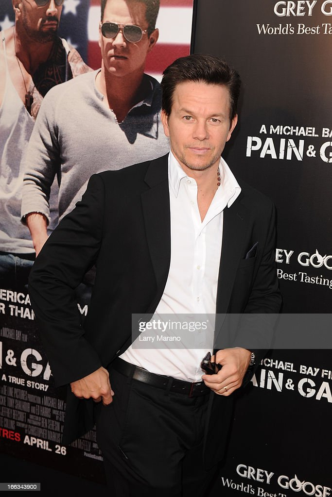 Mark Wahlberg attends the 'Pain & Gain' premiere on April 11, 2013 in Miami Beach, Florida.