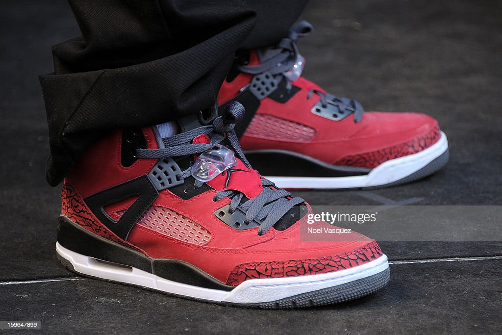 <a gi-track='captionPersonalityLinkClicked' href=/galleries/search?phrase=Mark+Wahlberg&family=editorial&specificpeople=202265 ng-click='$event.stopPropagation()'>Mark Wahlberg</a> (shoe detail) visits Extra at The Grove on January 17, 2013 in Los Angeles, California.