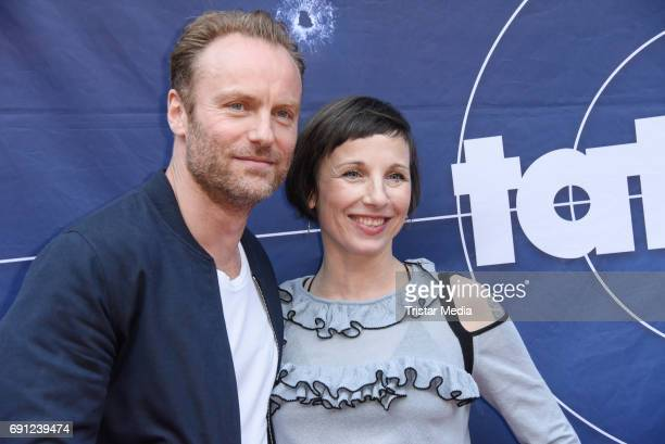 Mark Waschke and Meret Becker during the 'Tatort Amour fou' Preview And Photo Call in Berin Deutschland 2017 at ISS on May 31 2017 in Berlin Germany