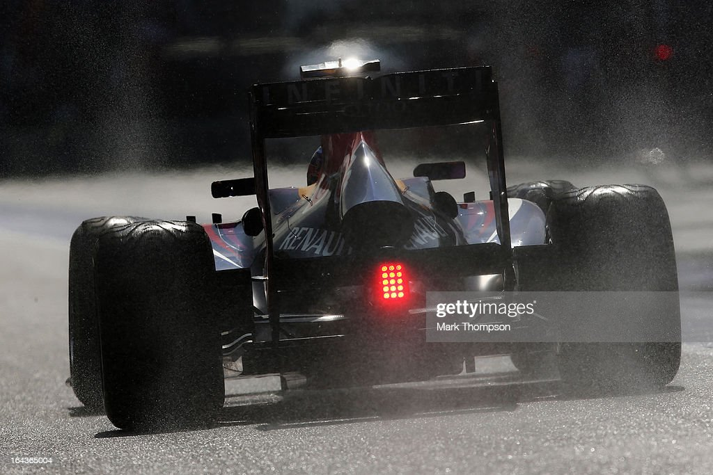 <a gi-track='captionPersonalityLinkClicked' href=/galleries/search?phrase=Mark+Webber+-+Race+Car+Driver&family=editorial&specificpeople=167271 ng-click='$event.stopPropagation()'>Mark Webber</a> of Australia and Infiniti Red Bull Racing drives down the pitlane during qualifying for the Malaysian Formula One Grand Prix at the Sepang Circuit on March 23, 2013 in Kuala Lumpur, Malaysia.