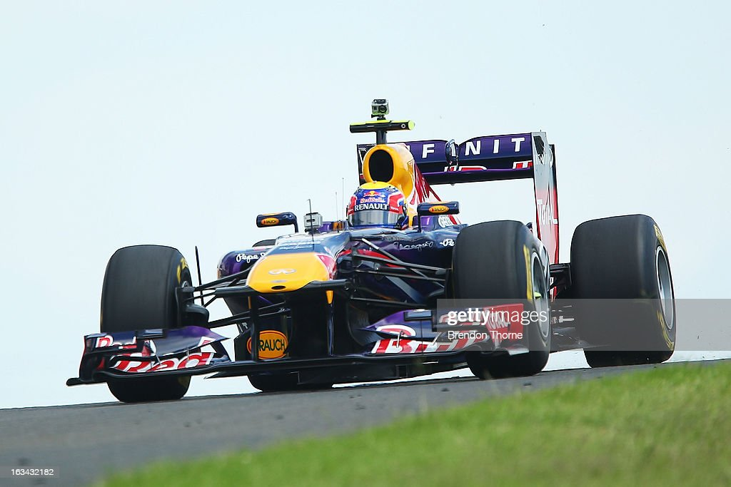 <a gi-track='captionPersonalityLinkClicked' href=/galleries/search?phrase=Mark+Webber+-+Piloto+de+automobilismo&family=editorial&specificpeople=167271 ng-click='$event.stopPropagation()'>Mark Webber</a> of Australia and Infiniti Red Bull Racing drives during the Top Gear Festival at Sydney Motorsport Park on March 10, 2013 in Sydney, Australia.