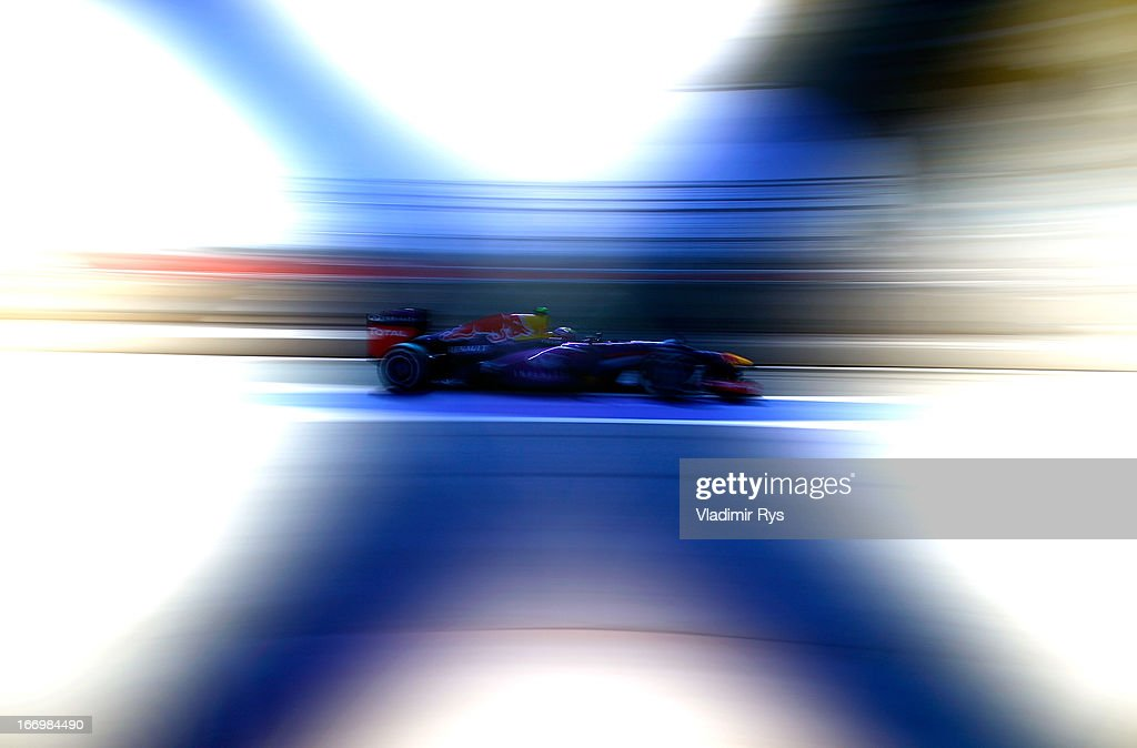 <a gi-track='captionPersonalityLinkClicked' href=/galleries/search?phrase=Mark+Webber+-+Race+Car+Driver&family=editorial&specificpeople=167271 ng-click='$event.stopPropagation()'>Mark Webber</a> of Australia and Infiniti Red Bull Racing drives during practice for the Bahrain Formula One Grand Prix at the Bahrain International Circuit on April 19, 2013 in Sakhir, Bahrain.