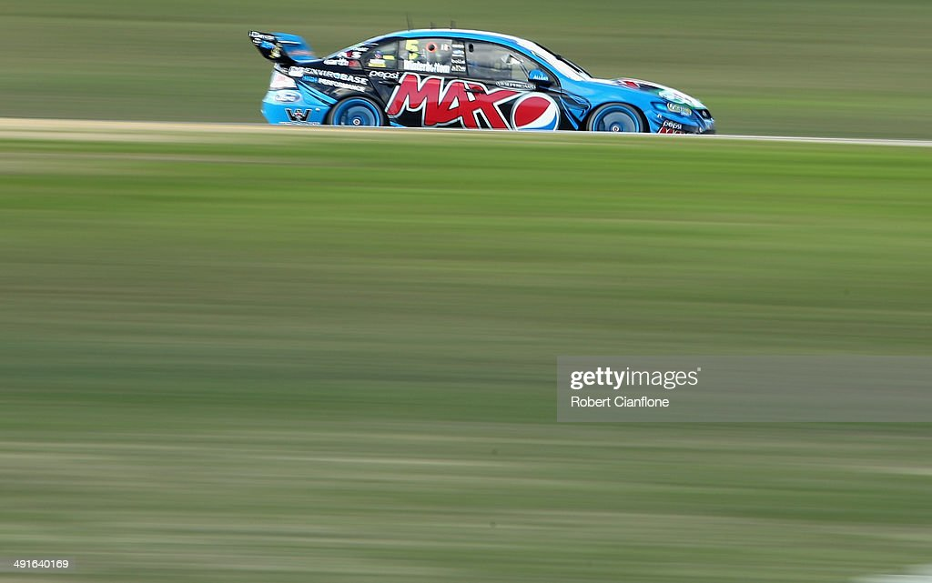 <a gi-track='captionPersonalityLinkClicked' href=/galleries/search?phrase=Mark+Winterbottom&family=editorial&specificpeople=675314 ng-click='$event.stopPropagation()'>Mark Winterbottom</a> drives the #5 Pepsi Max Crew Ford during race 15 at the Perth 400, which is round five of the V8 Supercar Championship Series at Barbagallo Raceway on May 17, 2014 in Perth, Australia.