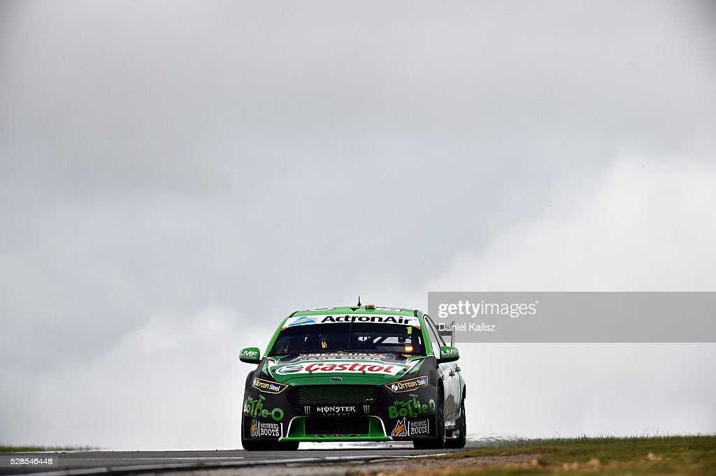 <a gi-track='captionPersonalityLinkClicked' href=/galleries/search?phrase=Mark+Winterbottom&family=editorial&specificpeople=675314 ng-click='$event.stopPropagation()'>Mark Winterbottom</a> drives the #1 The Bottle-O Racing Ford Falcon FGX during practice for the V8 Supercars Perth SuperSprint at Barbagallo Raceway on May 6, 2016 in Perth, Australia.
