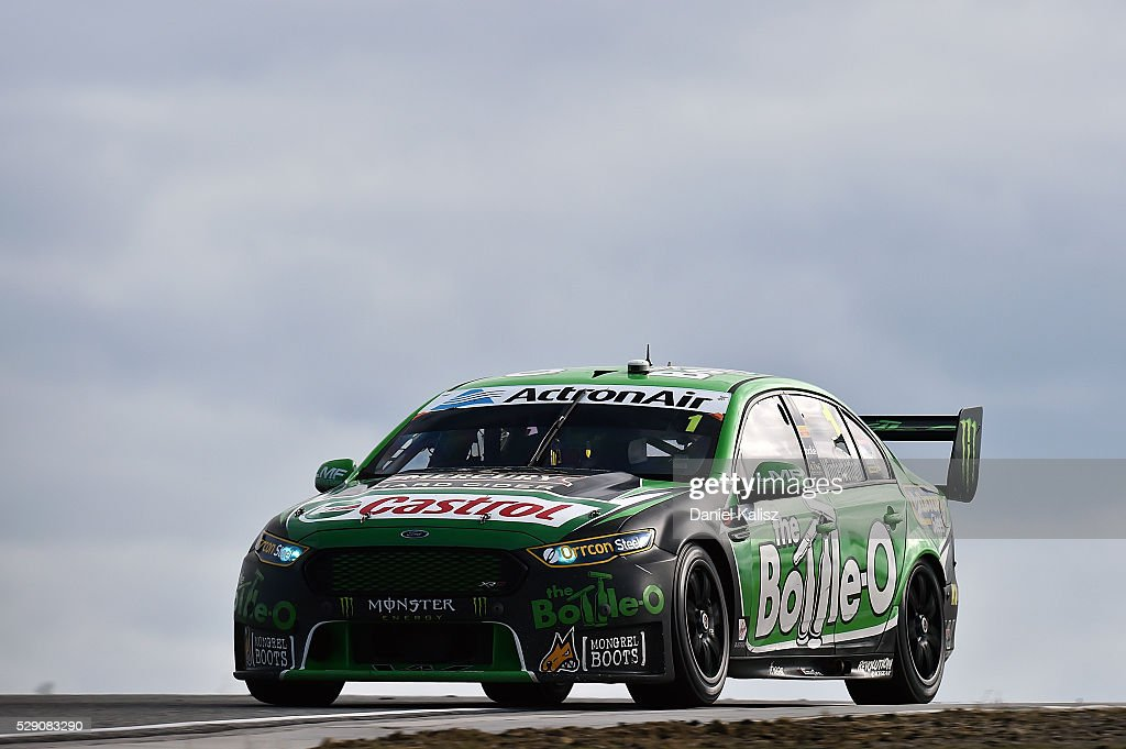 Mark Winterbottom drives the The BottleO Racing Ford Falcon FGX during race 2 for the V8 Supercars Perth SuperSprint at Barbagallo Raceway on May 8...