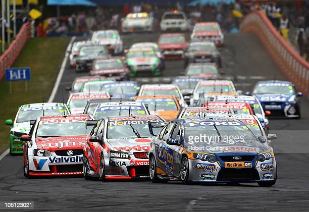Mark Winterbottom driving the Orrcon Steel FPR Falcon leads at tthe start of the Bathurst 1000 which is round 10 of the V8 Supercars Championship...
