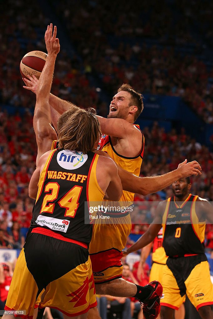 Mark Worthington of the Tigers goes to the basket during the round 19 NBL match between the Perth Wildcats and the Melbourne Tigers at Perth Arena on February 21, 2014 in Perth, Australia.