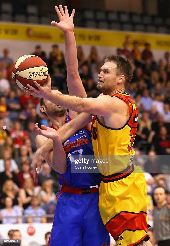 Mark Worthington of the Tigers shoots during the round three NBL match between the Melbourne Tigers and the Adelaide 36ers at the State Netball Hockey Centre in October 27, 2013 in Melbourne, Australia.
