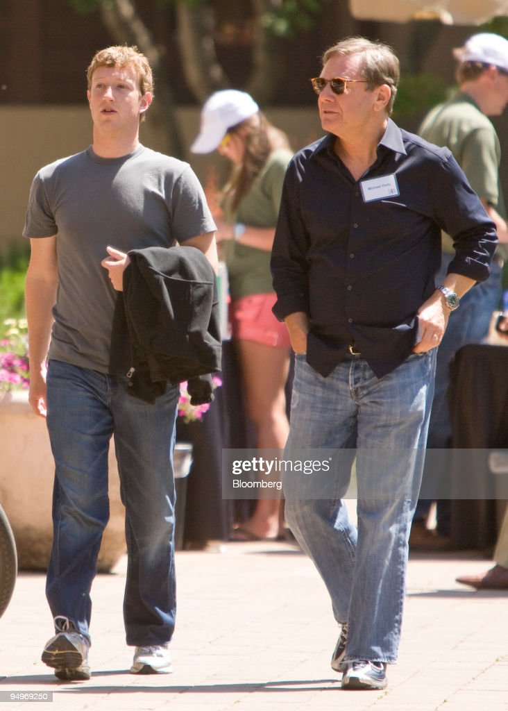 Mark Zuckerberg, chief executive officer and founder of Facebook Inc., left, walks with Michael Ovitz, former president of Walt Disney Co., during a lunch break at the Allen & Co. Media and Technology Conference in Sun Valley, Idaho, U.S., on Friday, July 10, 2009. The conference runs until Saturday, July 11.