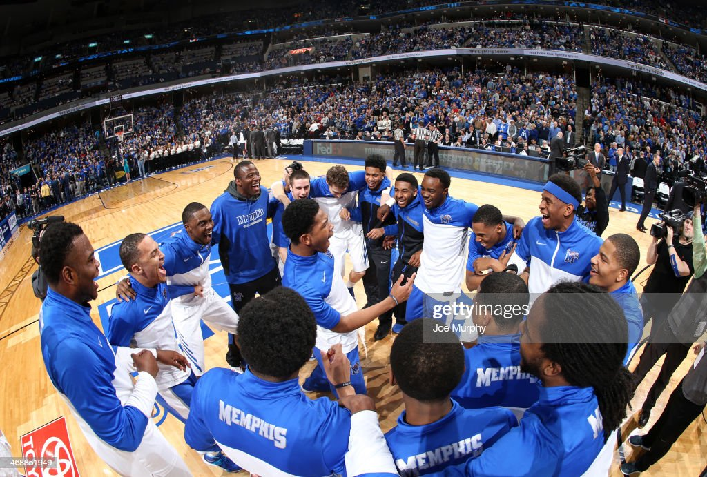 Markel Crawford #10 of the Memphis Tigers leads his team in a huddle before a game against the Gonzaga Bulldogs on February 8, 2014 at FedExForum in Memphis, Tennessee. Memphis beat Gonzaga 60-54.