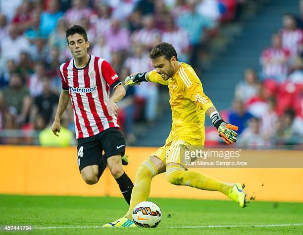 Markel Susaeta of Athletic Club duels for the ball with Sergio Alvarez of Celta de Vigo during the La Liga match between Athletic Club and Celta de...