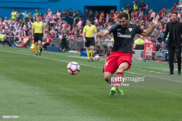 Markel Susaeta pass the ball during the football match between Atletico de Madrid and Athletic de Bilbao Atletico de Madrid win over Athletic de...
