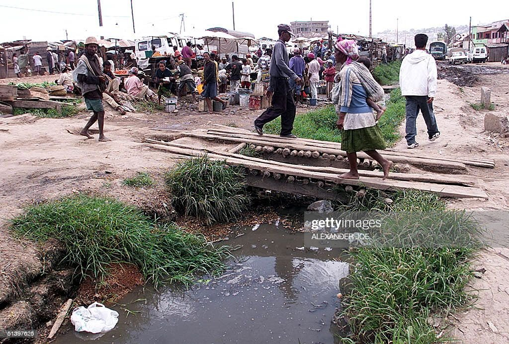 A market 16 March 2000 in the Anosibe slum area with very bad sanitation in the capital Antananarivo In February 2000 979 people died from cholera in...