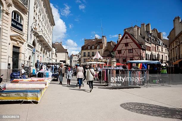 Jour de marché à Dijon, France