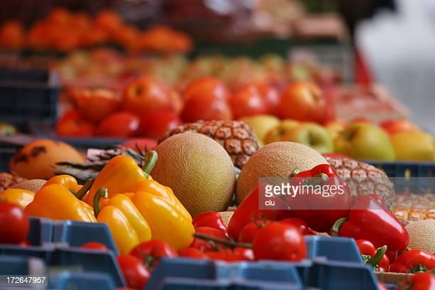 Étal de marché: fruits et légumes