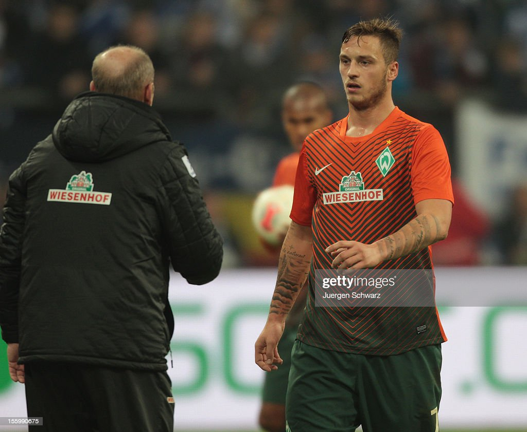 <a gi-track='captionPersonalityLinkClicked' href=/galleries/search?phrase=Marko+Arnautovic&family=editorial&specificpeople=5567995 ng-click='$event.stopPropagation()'>Marko Arnautovic</a> of Werder Bremen (R) listens to headcoach <a gi-track='captionPersonalityLinkClicked' href=/galleries/search?phrase=Thomas+Schaaf&family=editorial&specificpeople=216597 ng-click='$event.stopPropagation()'>Thomas Schaaf</a> during the Bundesliga match between FC Schalke 04 and Werder Bremen at Veltins-Arena on November 10, 2012 in Gelsenkirchen, Germany.