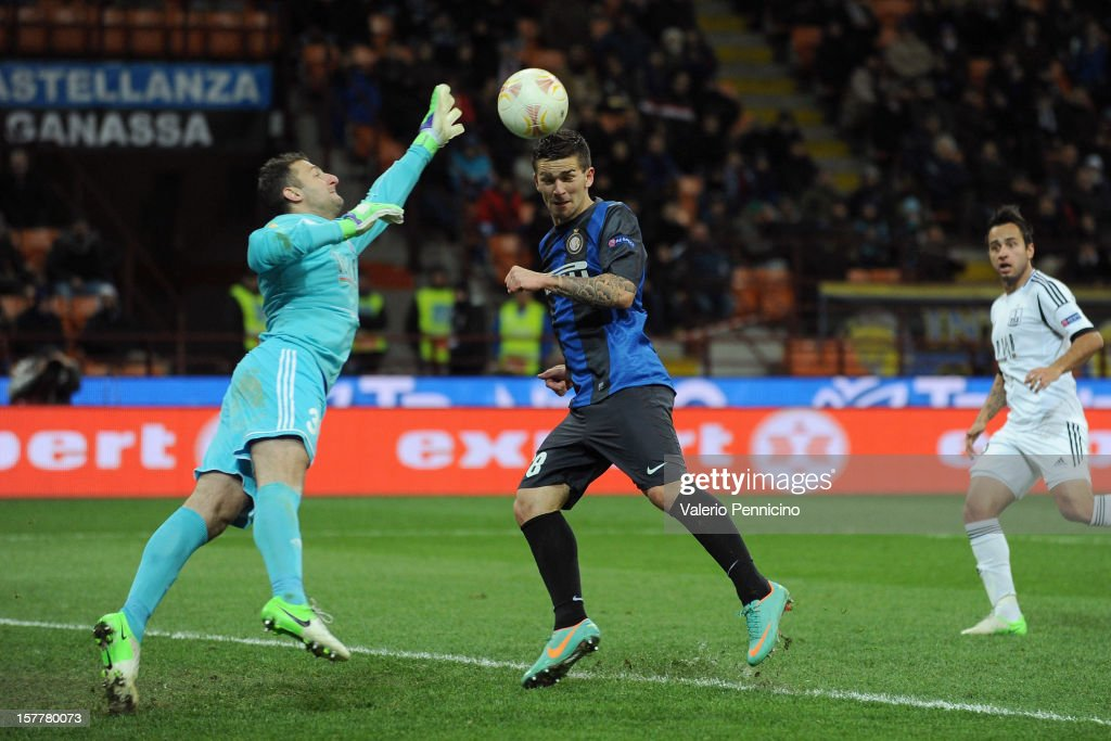 Marko Livaja (C) of FC Internazionale Milano scores their second goal during the UEFA Europa League group H match between FC Internazionale Milano and Neftci PFK on December 6, 2012 in Milan, Italy.