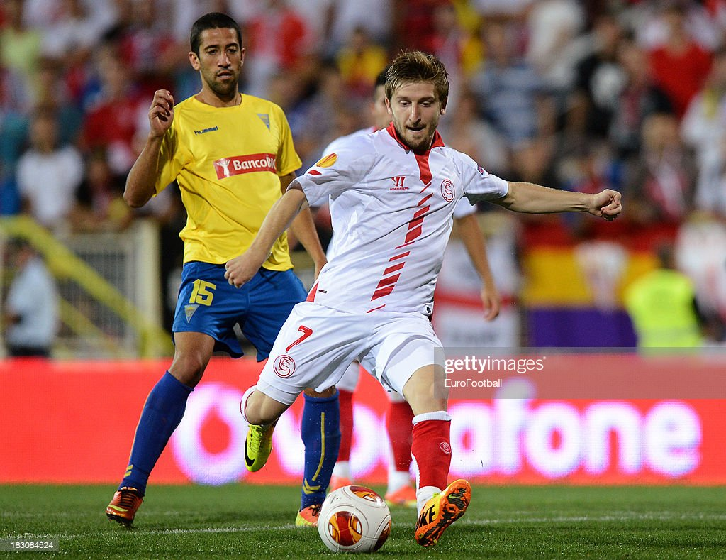 Marko Marin of Sevilla FC in action during the UEFA Europa League group stage match between Estoril Praia and Sevilla FC held on September 19, 2013 at the Antonio Coimbra Da Mota Stadium, in Estoril, Portugal.