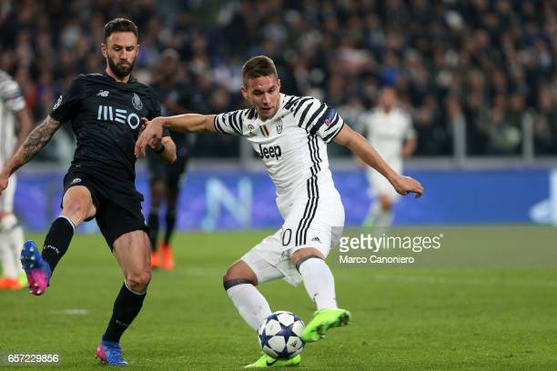 Marko Pjaca of Juventus FC in action during the UEFA Champions League Round of 16 second leg match between Juventus Turin and FC Porto at Juventus...