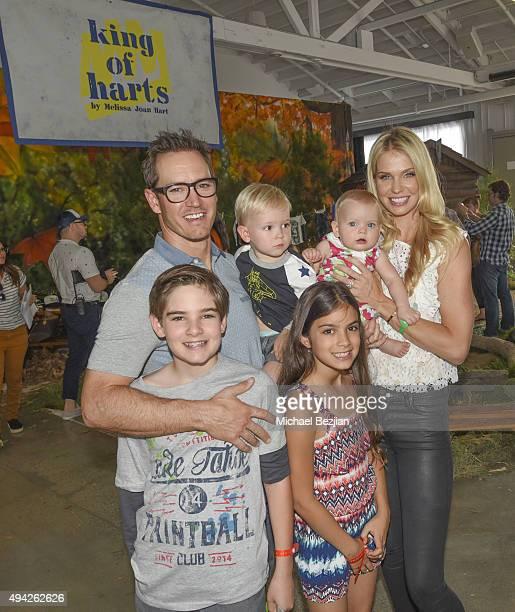 MarkPaul Gosselaar Katriona Gosselaar and family attend King Of Harts By Melissa Joan Hart Supports The 26th Annual Elizabeth Glaser Pediatric AIDS...