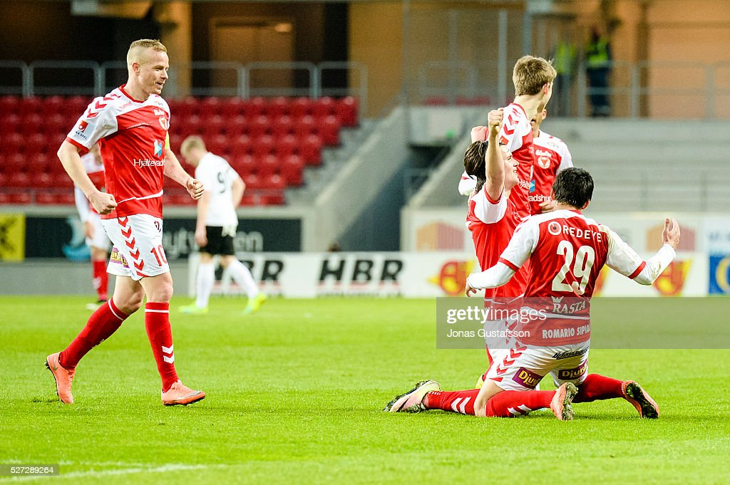 Markus Antonsson of Kalmar FF celebrates after scoring 3-2 during the Allsvenskan match between Kalmar FF and Orebro SK at Guldfageln Arena on May 2, 2016 in Kalmar, Sweden.