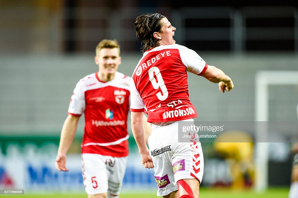 Markus Antonsson of Kalmar FF celebrates after scoring the decisive goal to Kalmar FF during the Allsvenskan match between Kalmar FF and Orebro SK at Guldfageln Arena on May 2, 2016 in Kalmar, Sweden.