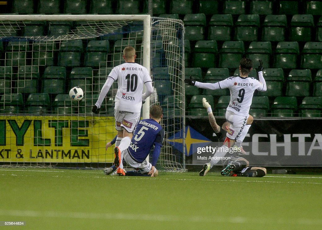Markus Antonsson of Kalmar FF scores to 1-1 during the Allsvenskan match between GIF Sundsvall and Kalmar FF at Norrporten Arena on April 28, 2016 in Sundsvall, Sweden.