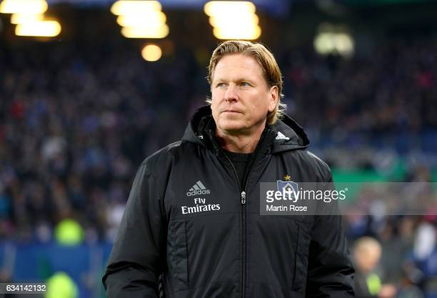 Markus Gisdol head coach of Hamburg reacts before the DFB Cup round of 16 match between Hamburger SV and 1 FC Koeln at Volksparkstadion on February 7...