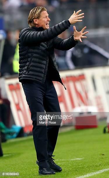 Markus Gisdol headcoach of Hamburg gestures during the Bundesliga match between Hamburger SV and Eintracht Frankfurt at Volksparkstadion on October...