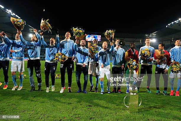 Markus Rosenberg of Malmo FF and his team after the Allsvenskan match between Malmo FF and Hammarby IF at Swedbank Stadion on November 6 2016 in...