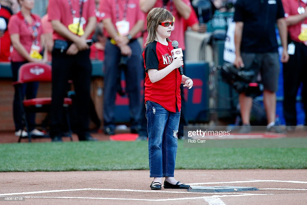 <a gi-track='captionPersonalityLinkClicked' href=/galleries/search?phrase=Marlana+VanHoose&family=editorial&specificpeople=10060993 ng-click='$event.stopPropagation()'>Marlana VanHoose</a> sings the National Anthem prior to the Gillette Home Run Derby presented by Head & Shoulders at the Great American Ball Park on July 13, 2015 in Cincinnati, Ohio.