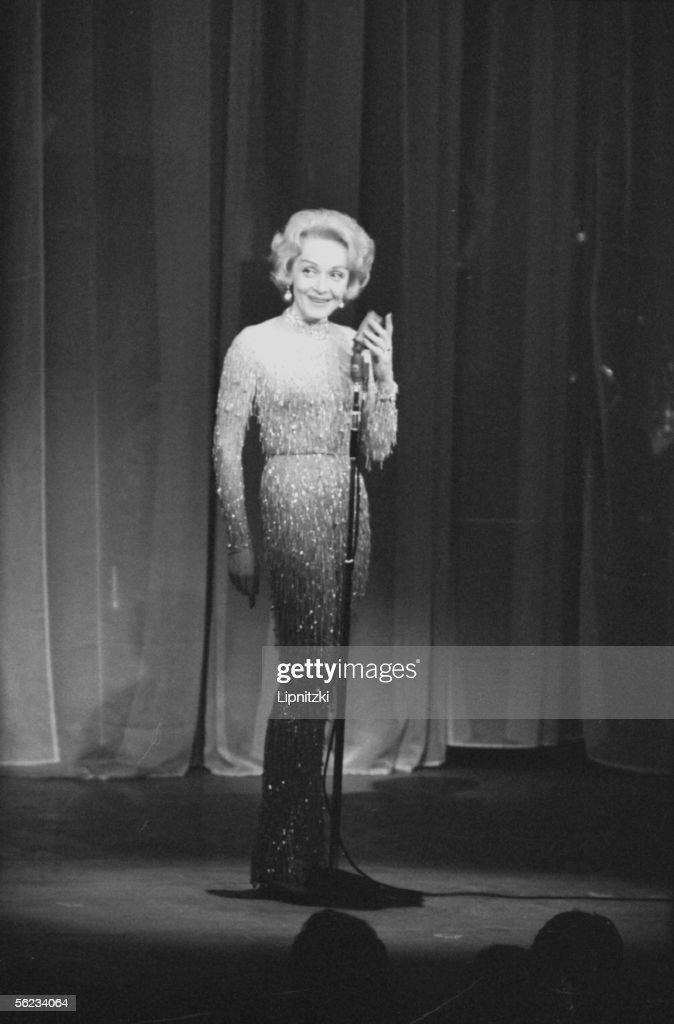 Marlene Dietrich (1901-1992), actress and American singer of German origin, in 1976.