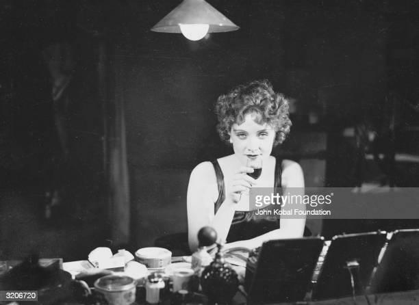Marlene Dietrich on the set of the German expressionist film 'Der Blaue Engel' directed by Josef von Sterberg