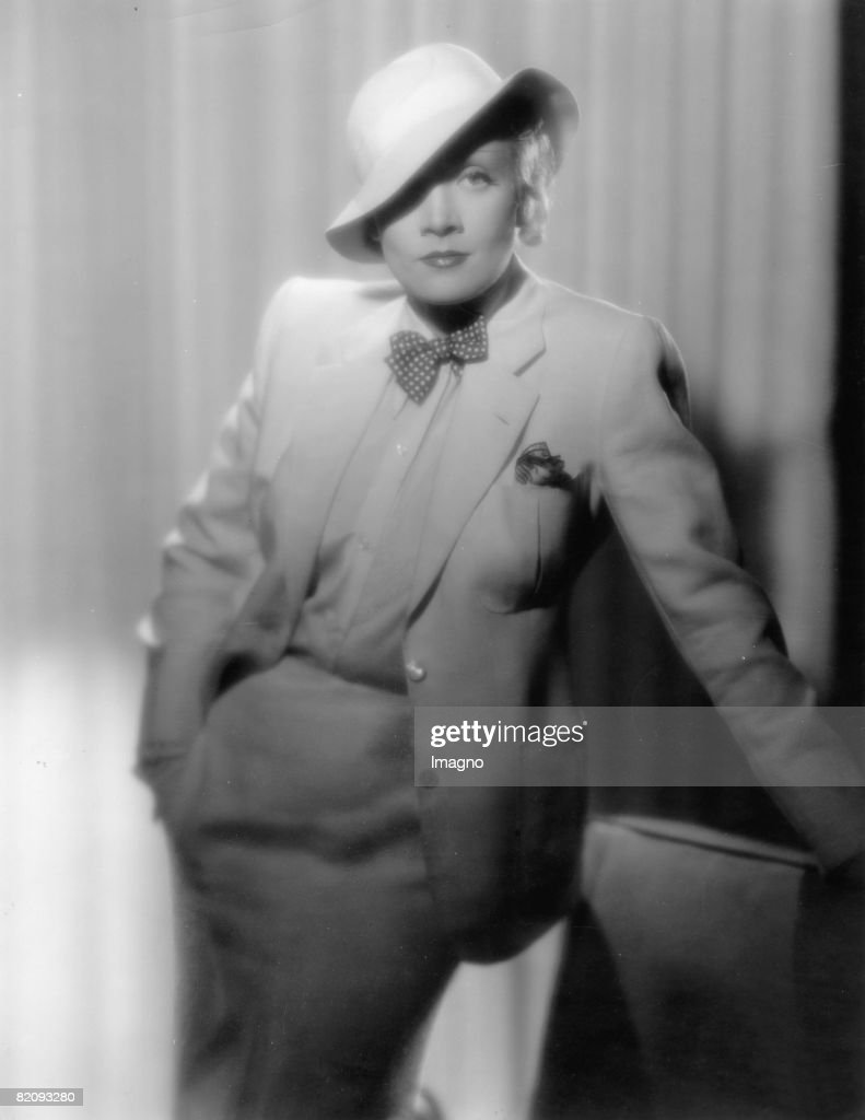 Marlene Dietrich posing in a suit, Photograph, Around 1935 (Photo by Imagno/Getty Images) [Marlene Dietrich posiert im Kost?m, Photographie, Um 1935]