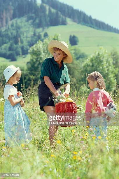 Marlene Jobert and her twin daughters Eva and Joy Green