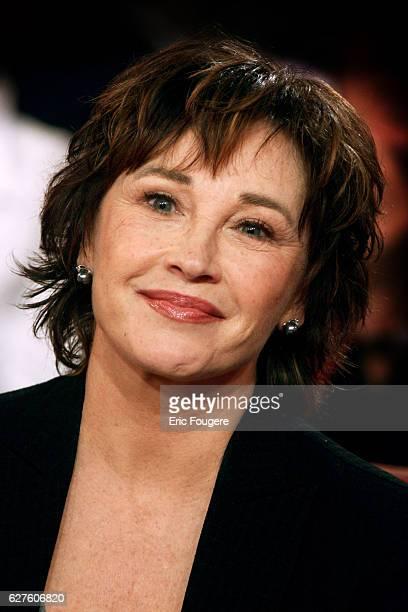 Marlene Jobert on the set of TV show 'Vivement Dimanche'