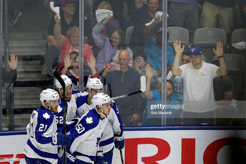 Marlies celebrate the Nylander goal. Toronto Marlies V Hersey Bears during 2nd period play of Game 5 of AHL playoff action at the Ricoh Coliseum. Hersey leads the series 3-1. Toronto Star/Rick Madonik