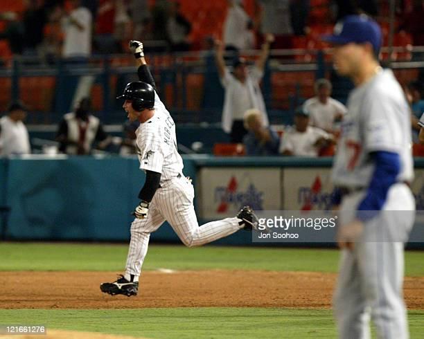 Marlins' Mike Mordecai hits walkoff home run off Dodgers' Victor Alvarez at Pro Player Stadium Marlins won 21