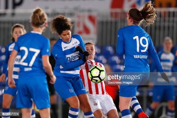 Marlo Carmen Colette Sweatman of PEC Zwolle Jeslynn Kuipers of PSV during the Dutch Eredivisie Women match between PEC Zwolle v PSV at the MAC3PARK...