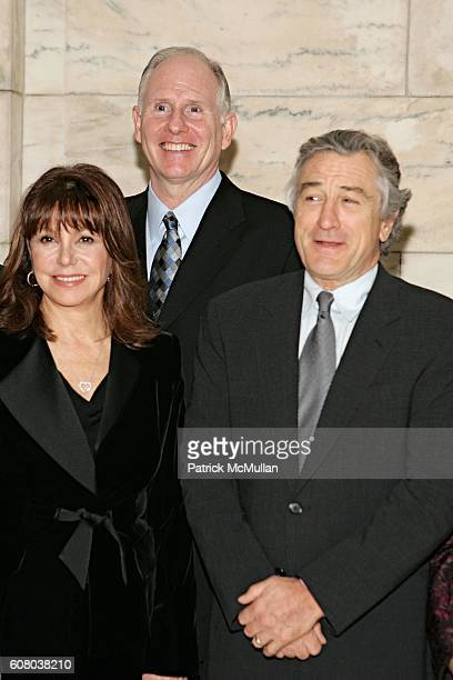 Marlo Thomas Jim Larranaga and Robert DeNiro attend AARP The Magazine Announces the Winners of the 2006 Impact Awards at New York Public Library on...