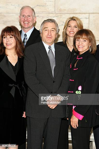 Marlo Thomas Jim Larranaga Robert DeNiro Paula Zahn and Valerie Harper attend AARP The Magazine Announces the Winners of the 2006 Impact Awards at...