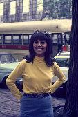 Marlo Thomas on the street as 'That Girl' circa 1980 New York