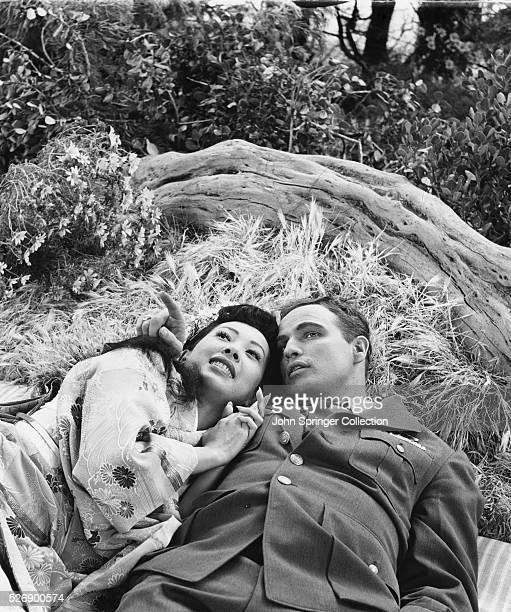 Marlon Brando as Major Lloyd Gruver and Miiko Taka as Hanaogi in the 1957 film Sayonara
