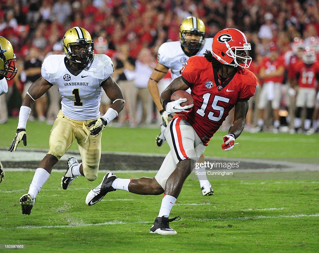 Marlon Brown #15 of the Georgia Bulldogs runs with a catch against the Vanderbilt Commodores at Sanford Stadium on September 22, 2012 in Athens, Georgia.
