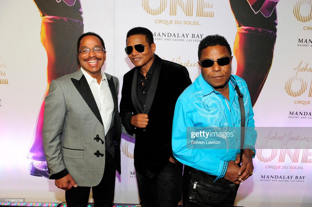 <a gi-track='captionPersonalityLinkClicked' href=/galleries/search?phrase=Marlon+Jackson+-+Musician&family=editorial&specificpeople=914632 ng-click='$event.stopPropagation()'>Marlon Jackson</a>, <a gi-track='captionPersonalityLinkClicked' href=/galleries/search?phrase=Jackie+Jackson&family=editorial&specificpeople=212794 ng-click='$event.stopPropagation()'>Jackie Jackson</a> and <a gi-track='captionPersonalityLinkClicked' href=/galleries/search?phrase=Tito+Jackson&family=editorial&specificpeople=216556 ng-click='$event.stopPropagation()'>Tito Jackson</a> arrive at the world premiere of 'Michael Jackson ONE by Cirque du Soleil' at THEhotel at Mandalay Bay on June 29, 2013 in Las Vegas, Nevada.