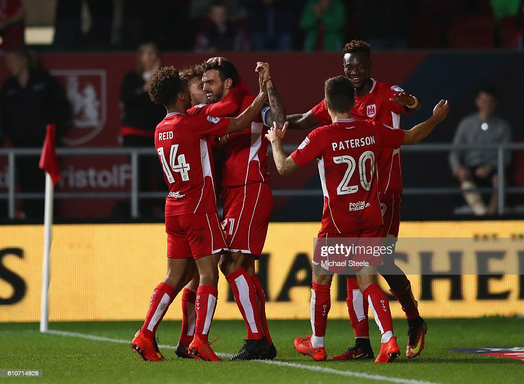 Marlon Pack (2L) of Bristol City celebrates after scoring the opening goal during the Sky Bet Championship match between Bristol City and Leeds United at Ashton Gate on September 27, 2016 in Bristol, England.