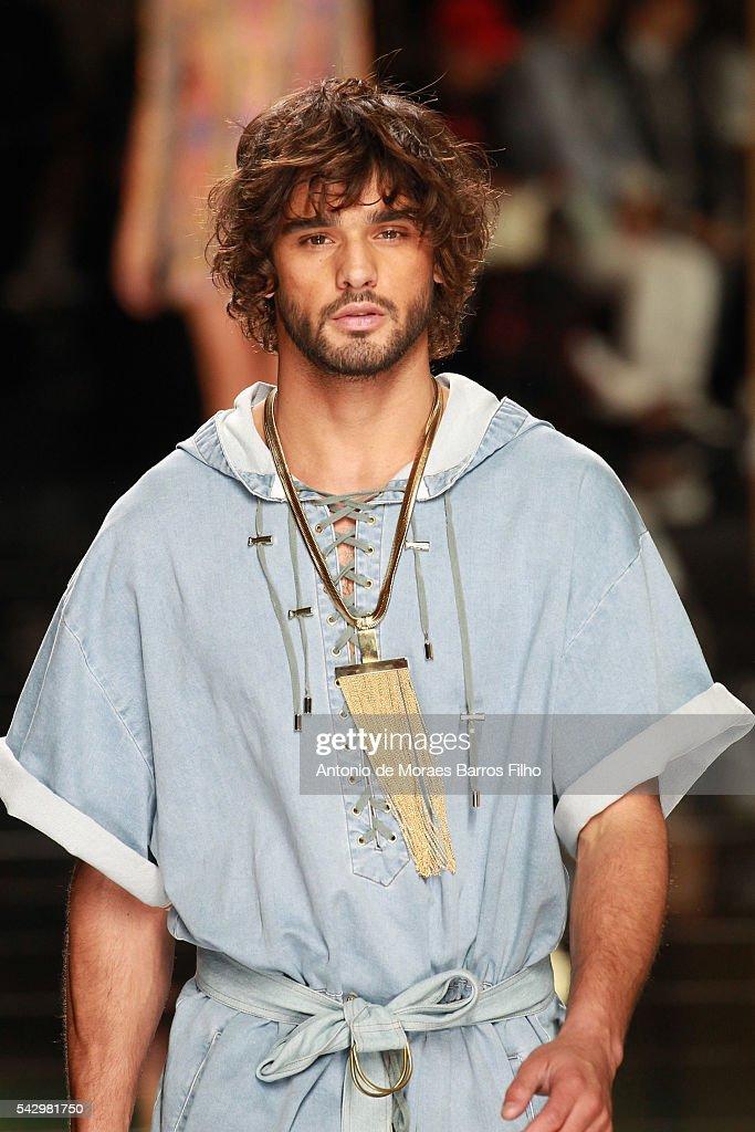 Marlon Teixeira walks the runway during the Balmain Menswear Spring/Summer 2017 show as part of Paris Fashion Week on June 25, 2016 in Paris, France.