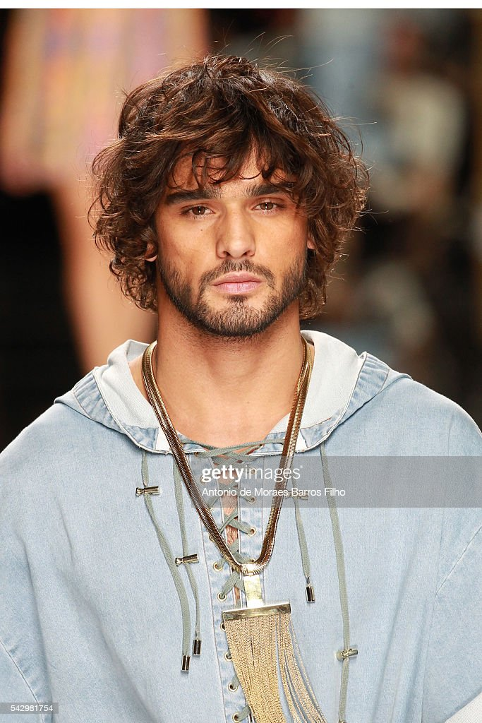 Marlon Teixeira walks the runway during the Balmain Menswear Spring/Summer 2017 show as part of Paris Fashion Week on June 25, 2016 in Paris, France.