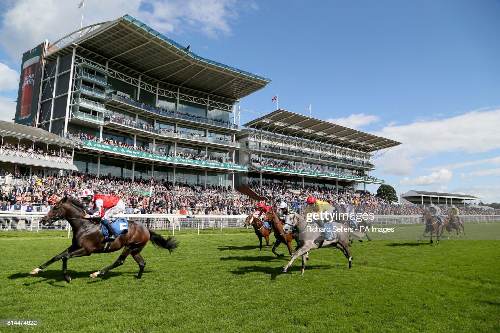 John Smith's Cup Meeting - Day One - York Racecourse Pictures ...