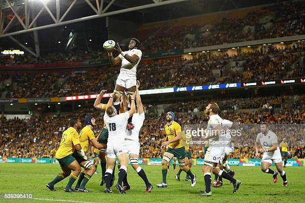 Maro Itoje of England takes a lineout ball during the International Test match between the Australian Wallabies and England at Suncorp Stadium on...